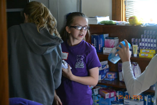 Sixth graders organize the Teen Mom Store